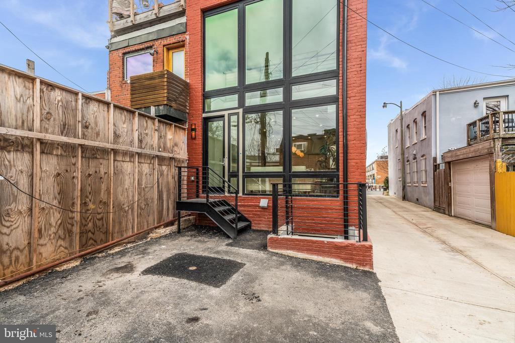 Private Entrance - 1737 11TH ST NW ##200, WASHINGTON