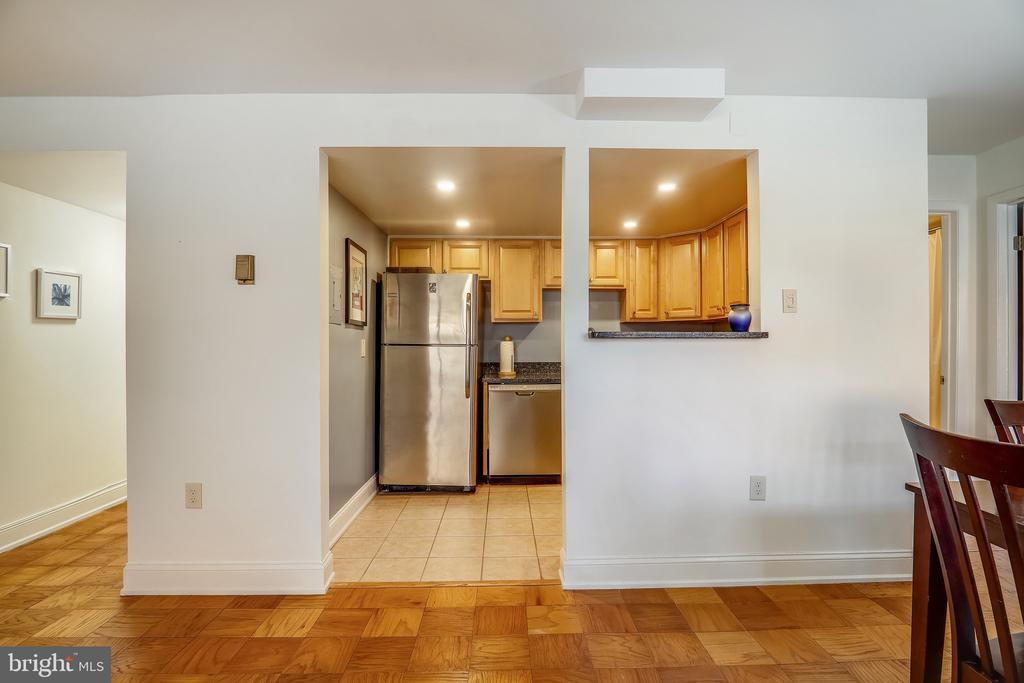 Kitchen - 4555 MACARTHUR BLVD NW #G6, WASHINGTON