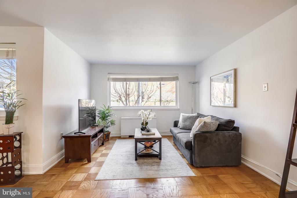 Living Room - 4555 MACARTHUR BLVD NW #G6, WASHINGTON