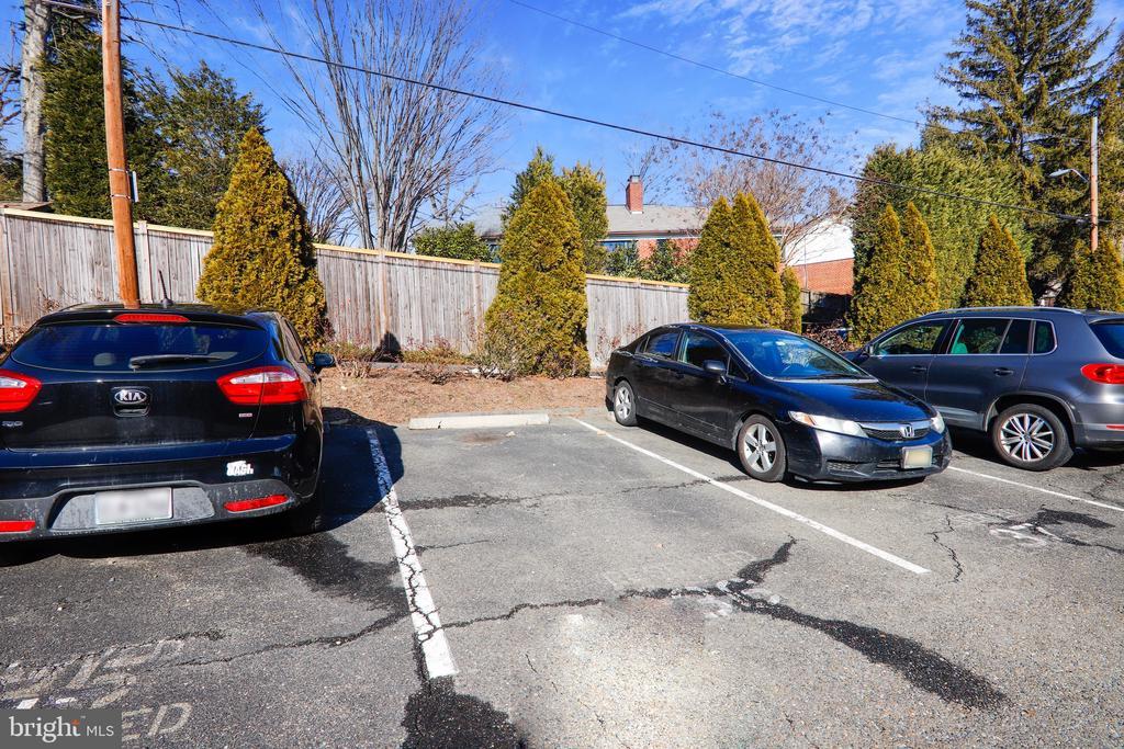 Building Parking Area - 4555 MACARTHUR BLVD NW #G6, WASHINGTON