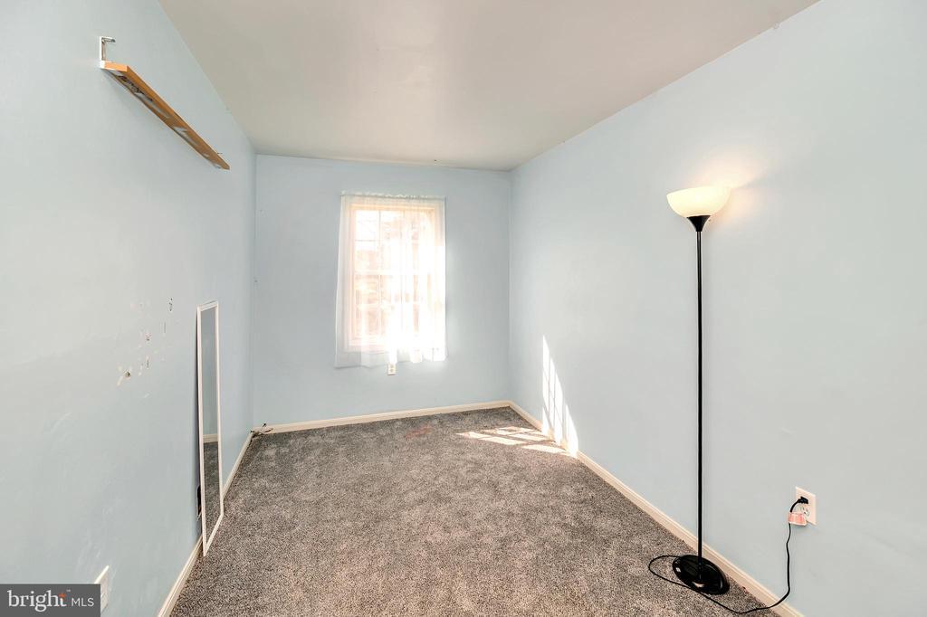 Upper level bedroom 2 - 4613 CENTRAL PARK DR, WOODBRIDGE
