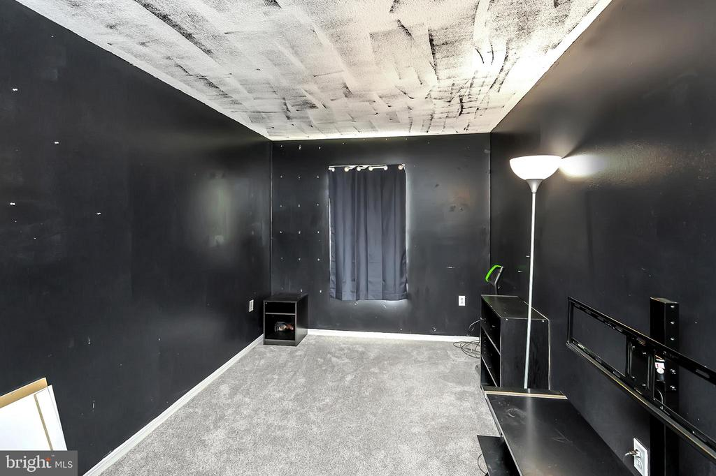 Upper level bedroom 3 - 4613 CENTRAL PARK DR, WOODBRIDGE