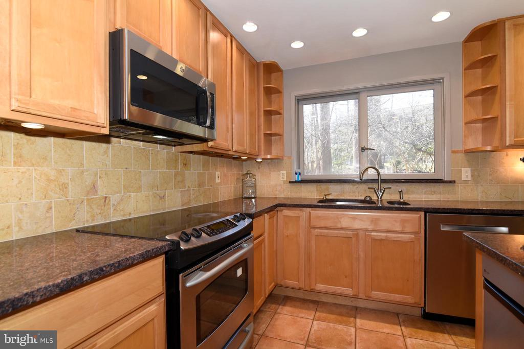 Stainless Appliances - 1101 PEPPERTREE DR, GREAT FALLS