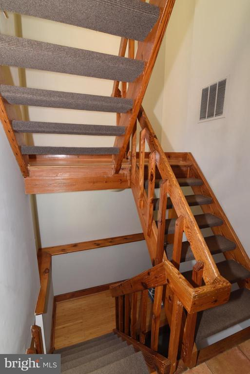 Staircase to Upper Level - 1101 PEPPERTREE DR, GREAT FALLS