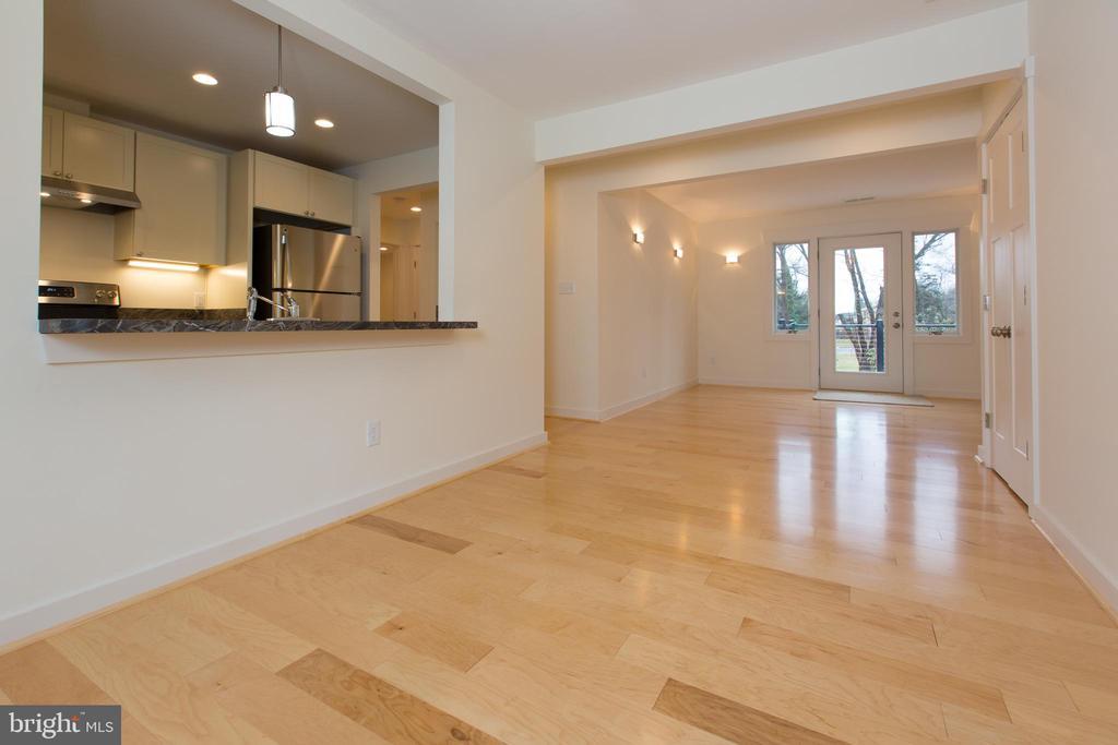 Open Floor Plan - 705 WIRT ST SW, LEESBURG