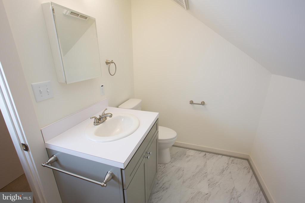 Primary Bath - 705 WIRT ST SW, LEESBURG