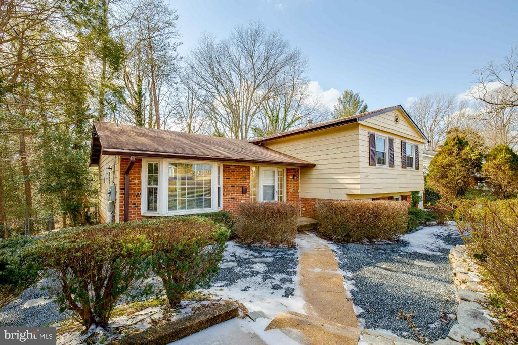 Welcome to 5035 King Richard Dr. Annandale, VA - 5035 KING RICHARD DR, ANNANDALE