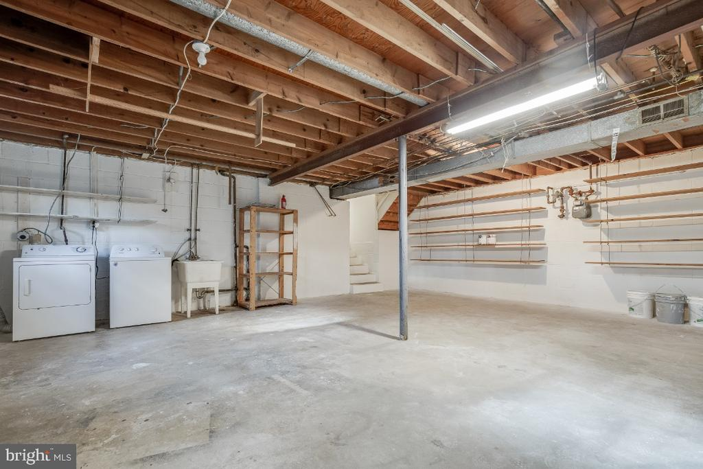 Unfinished Lower Level 2 - Laundry - 5035 KING RICHARD DR, ANNANDALE