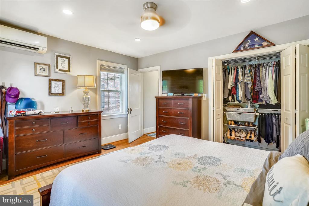 Bedroom closet with custom Elfa storage - 2600 16TH ST S #713, ARLINGTON