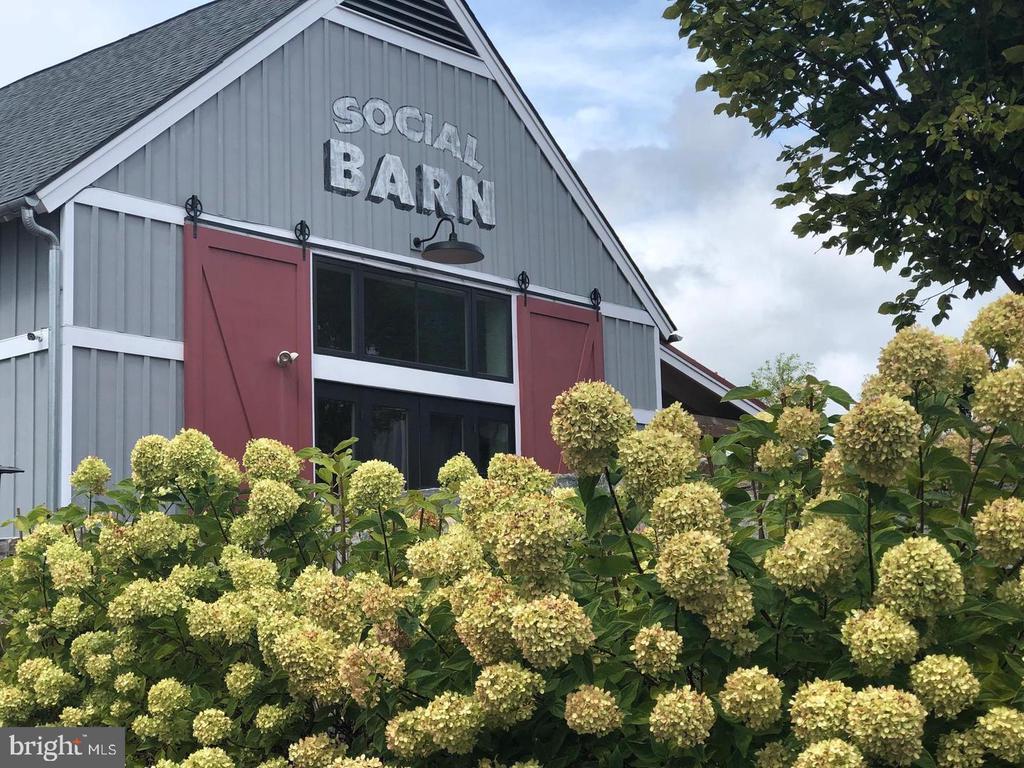 The Social Barn where residents meet - 17559 SPRING CRESS DR, DUMFRIES