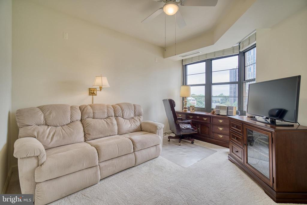 The middle bedroom is a combination BR - 1830 FOUNTAIN DR #604, RESTON