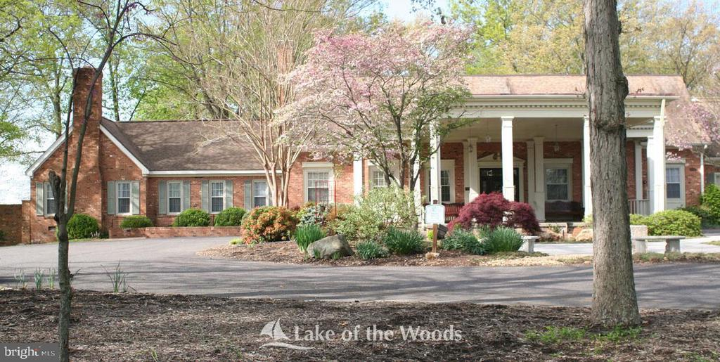 Lake of the Woods Clubhouse - 402 HARRISON CIR, LOCUST GROVE