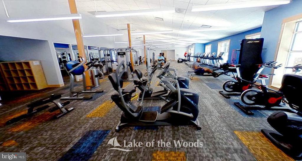 Fitness center - 402 HARRISON CIR, LOCUST GROVE