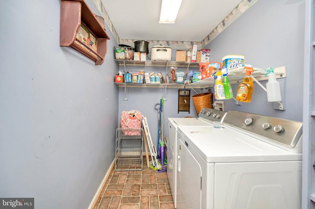 Main floor laundry room - 11704 TALBOT CT, FREDERICKSBURG
