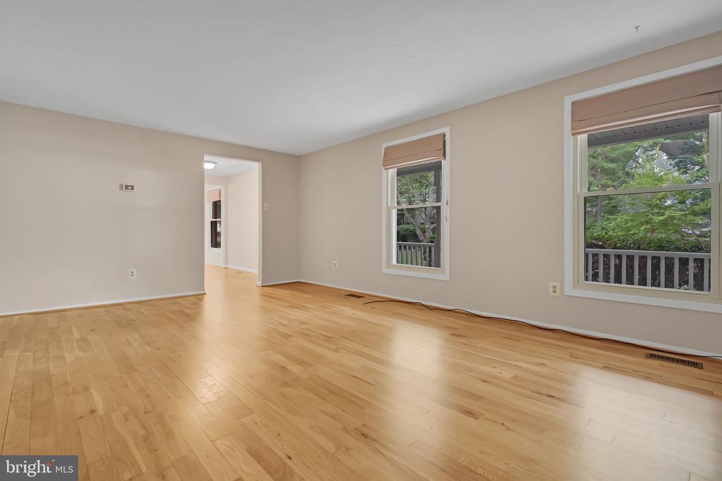 Imagine how you can set this up as living room - 1227 AQUIA DR, STAFFORD