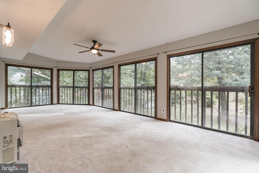 Set-up this room to enjoy your morning coffee - 1227 AQUIA DR, STAFFORD