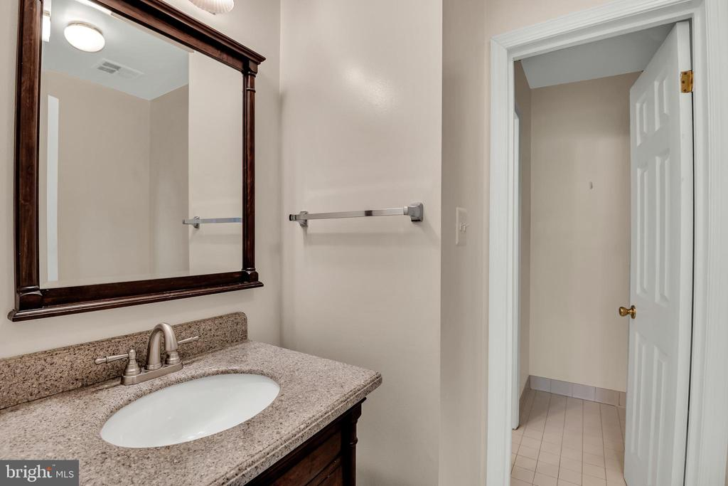 half bath on the 3rd level - 6831 WASHINGTON BLVD #D, ARLINGTON