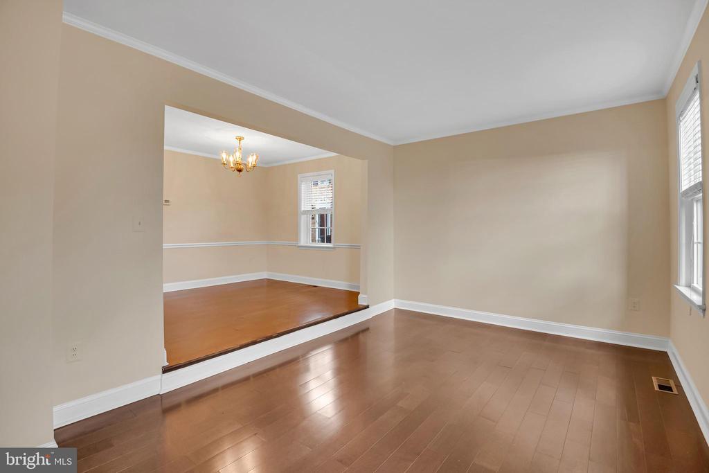 Living room - 6831 WASHINGTON BLVD #D, ARLINGTON