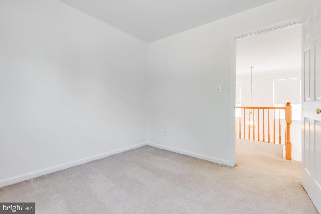 BEDROOM - UPPER LEVEL - 15355 BALD EAGLE LN, WOODBRIDGE