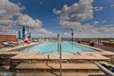 Community Rooftop Pool - 1021 N GARFIELD ST #242, ARLINGTON