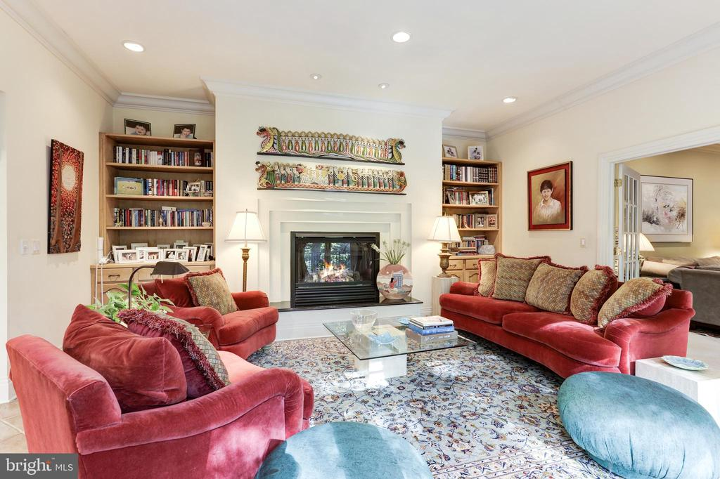 Welcoming family room. Beautiful fireplace, patio - 1342 POTOMAC SCHOOL RD, MCLEAN
