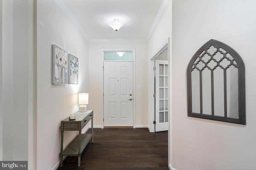 The entry foyer - 17559 SPRING CRESS DR, DUMFRIES