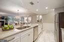 Beautiful cabinetry and granite counters - 1276 N WAYNE ST #608, ARLINGTON