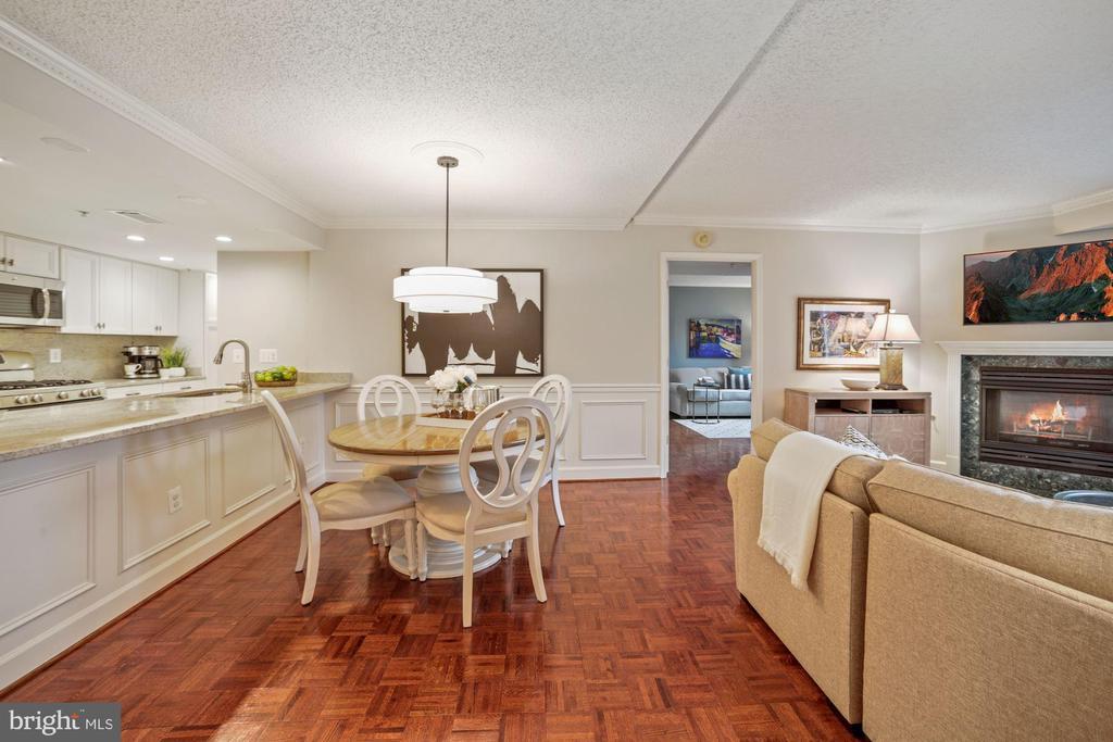 Brand new modern dining room chandelier - 1276 N WAYNE ST #608, ARLINGTON