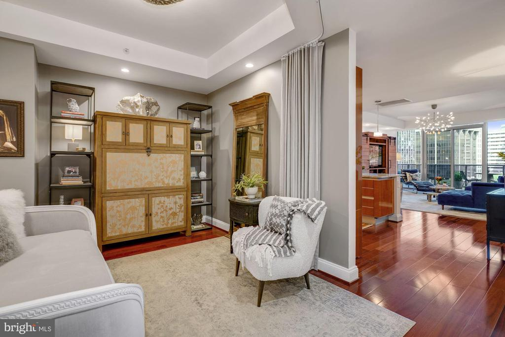 Den - Use as a Guest Room, or Parlor, or Art Space - 1881 N NASH ST #307, ARLINGTON