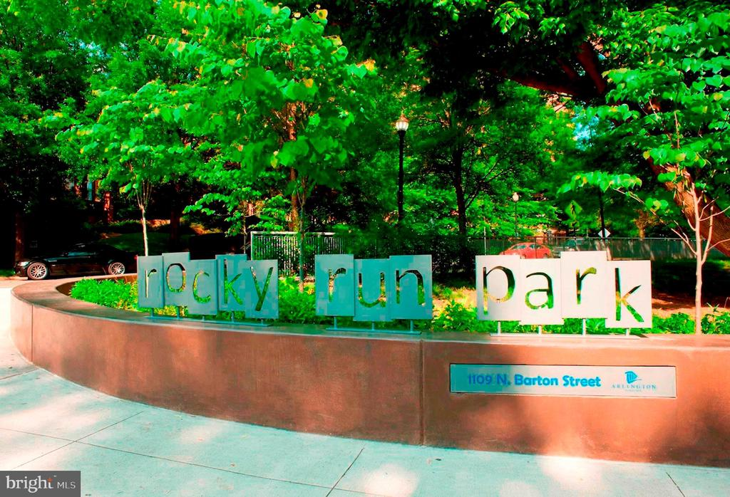 A park across the street from the building - 1276 N WAYNE ST #608, ARLINGTON