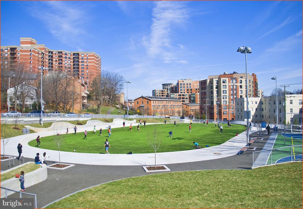 Park with rec fields - 1276 N WAYNE ST #608, ARLINGTON