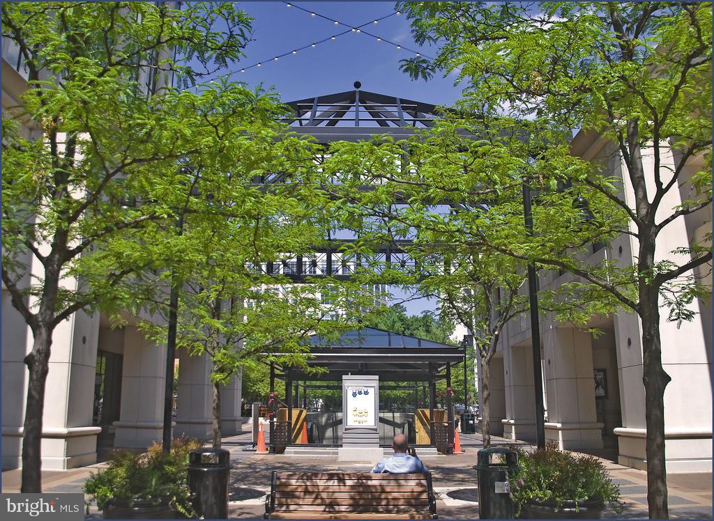 Pedestrian only Courthouse Plaza - 1276 N WAYNE ST #608, ARLINGTON