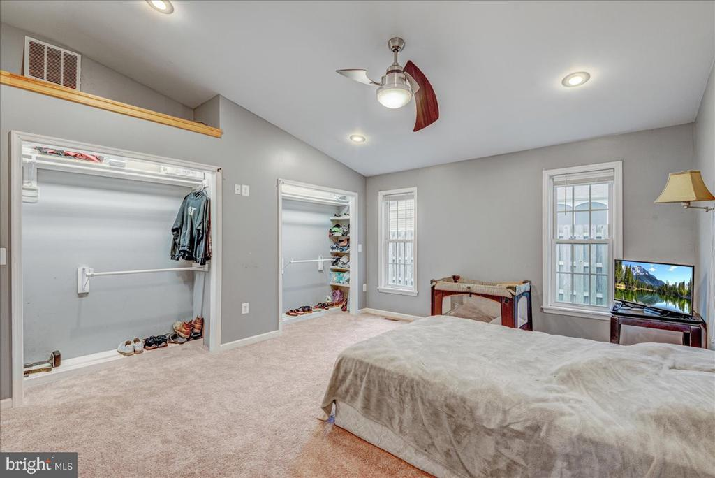 Large Primary Bedroom with vaulted ceiling - 222 AUSTIN, STAFFORD