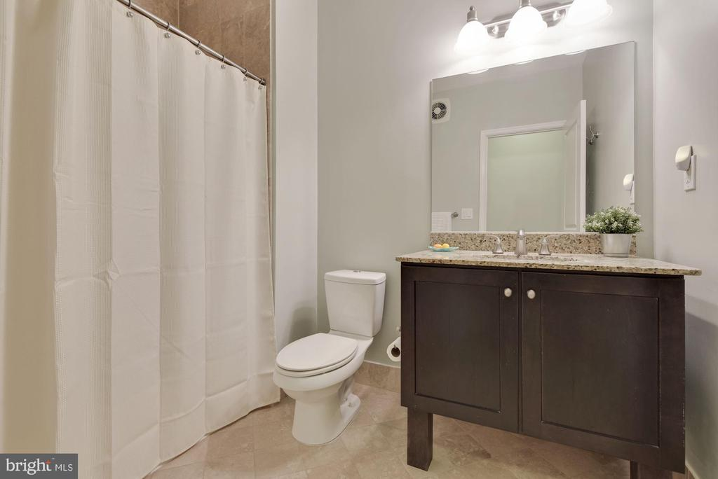 Second full bath on upper level - 1418 N RHODES ST #B116, ARLINGTON