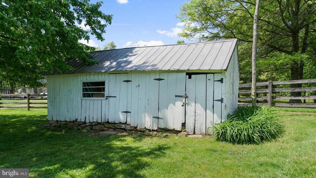 �Original smoke house. - 12823 BRICE RD, THURMONT