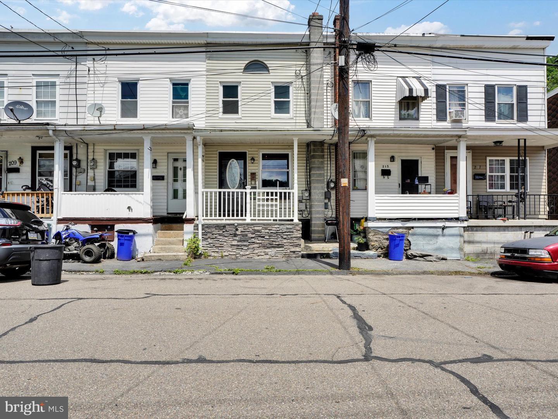 213 S Morris Street , SAINT CLAIR, Pennsylvania image 2