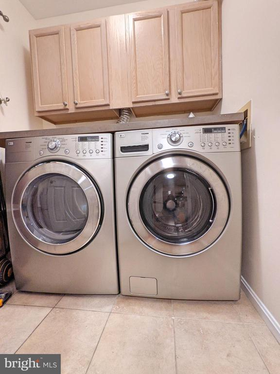 laundry room - 213 RIDGEPOINT PL, GAITHERSBURG