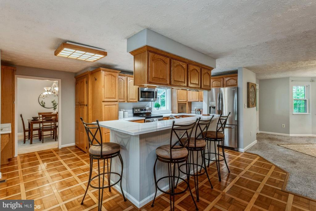 Kitchen with tons of workspace and storage - 108 ALMEY CT, STERLING