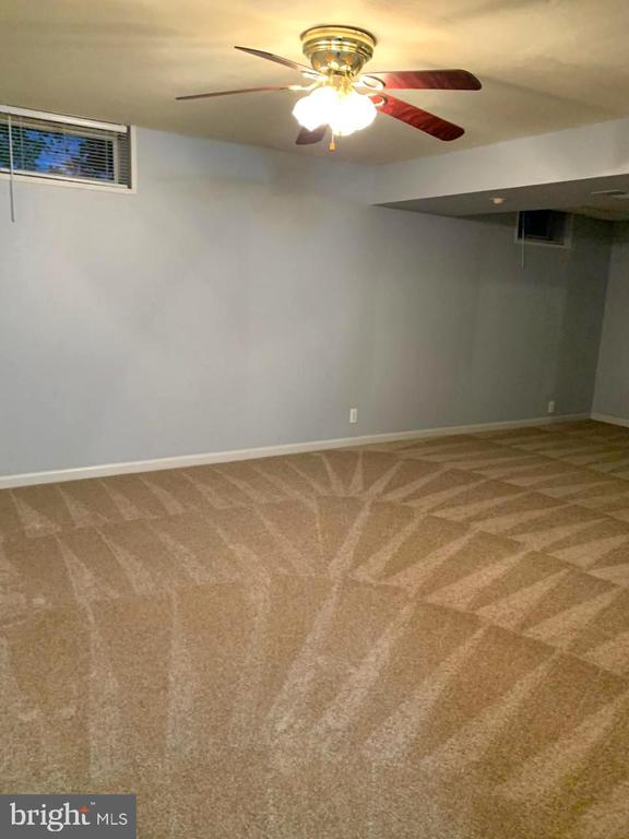 Big Recreation Room with new Carpeting - 108 ALMEY CT, STERLING