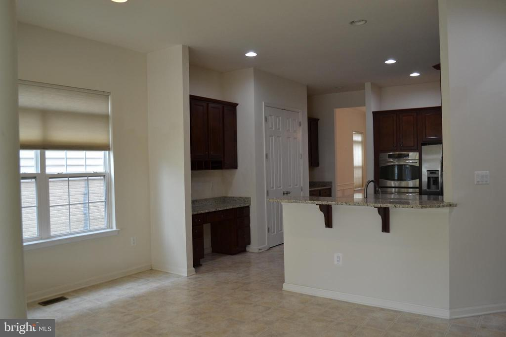Kitchen with Breakfast Area - 24104 STONE SPRINGS BLVD, STERLING