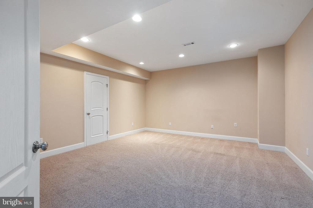 Could be theater room/ or exercise room or... - 20581 MYERS PL, LEESBURG