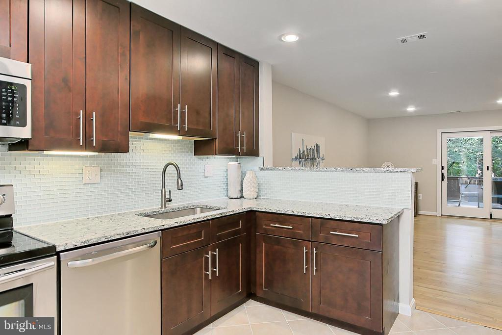 On trend finishes - 2045 WETHERSFIELD CT, RESTON