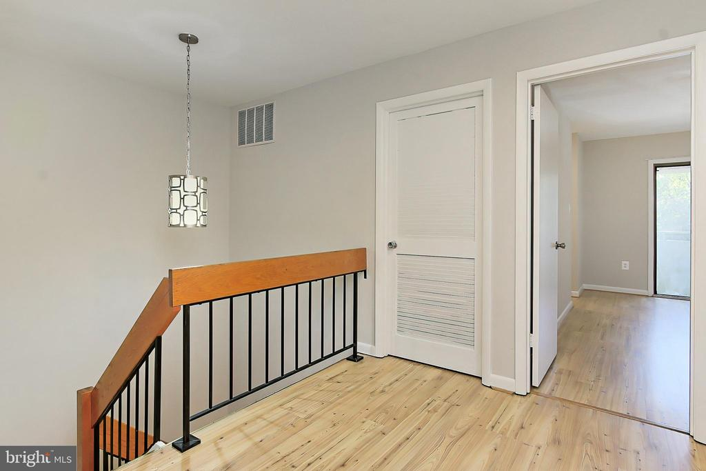 Stairs to upper level - 2045 WETHERSFIELD CT, RESTON