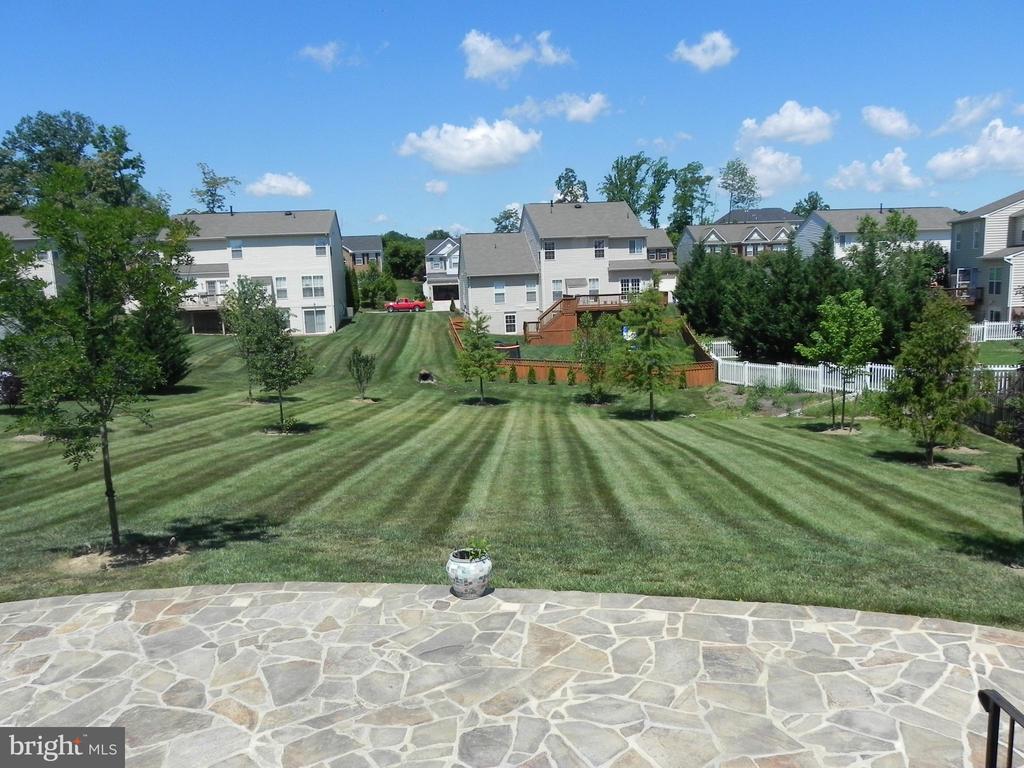 Back yard view - 939 WAYNE DR, WINCHESTER