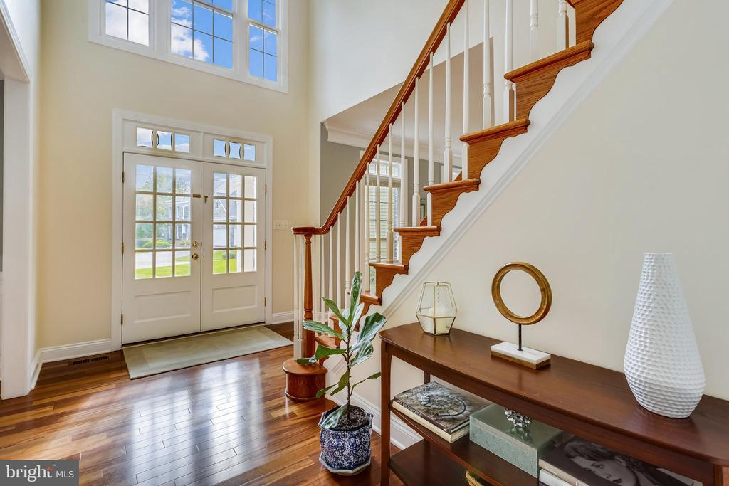 - 208 ROSALIE COVE CT, SILVER SPRING