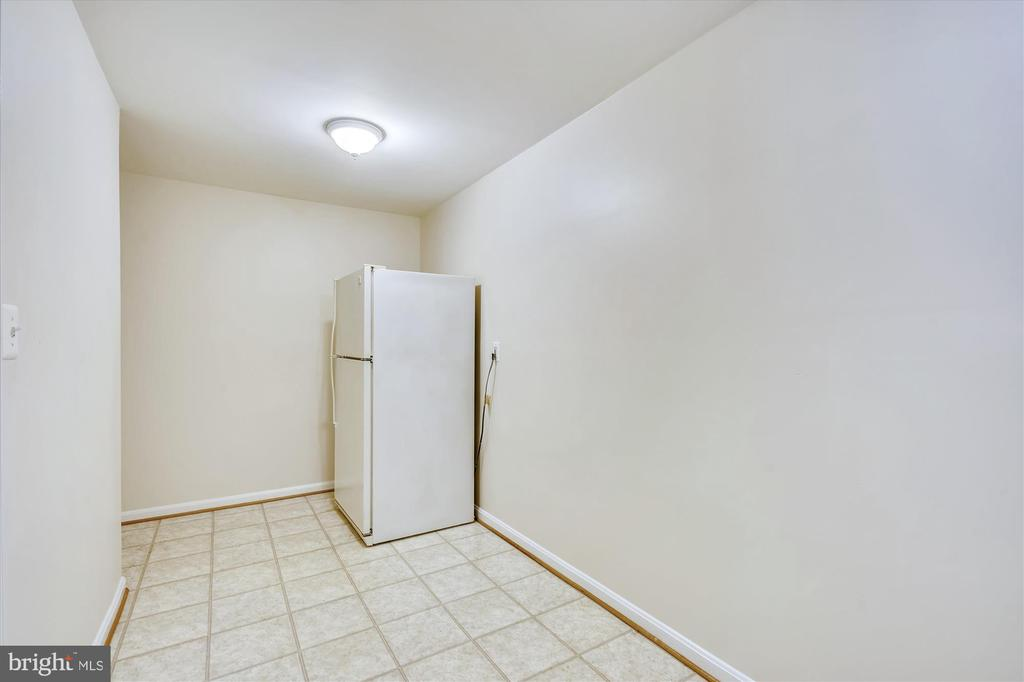 STORAGE ROOM IN THE BASEMENT + EXTRA REFRIGERATOR - 20672 PARKSIDE CIR, STERLING
