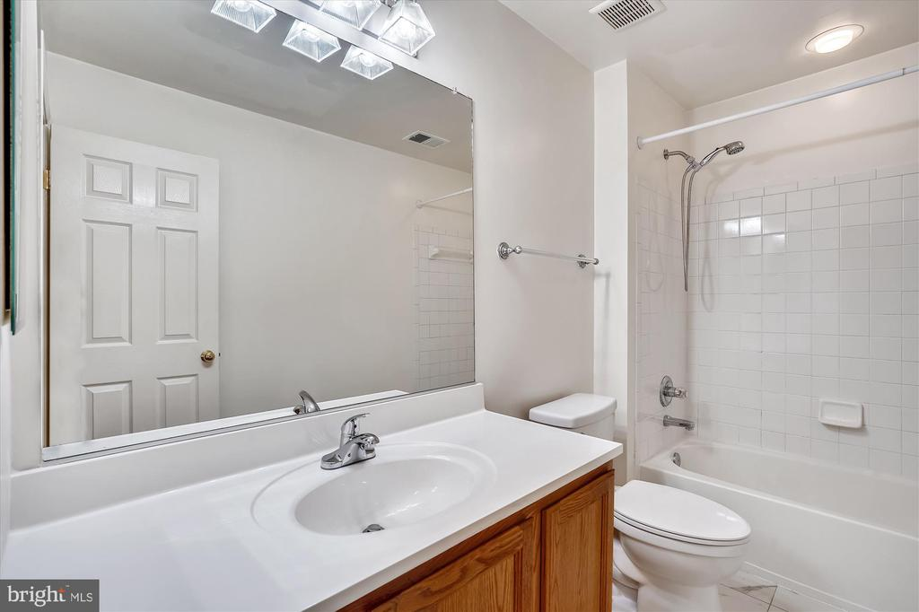 NEW COMMODE, COUNTER AND FAUCETS - 20672 PARKSIDE CIR, STERLING