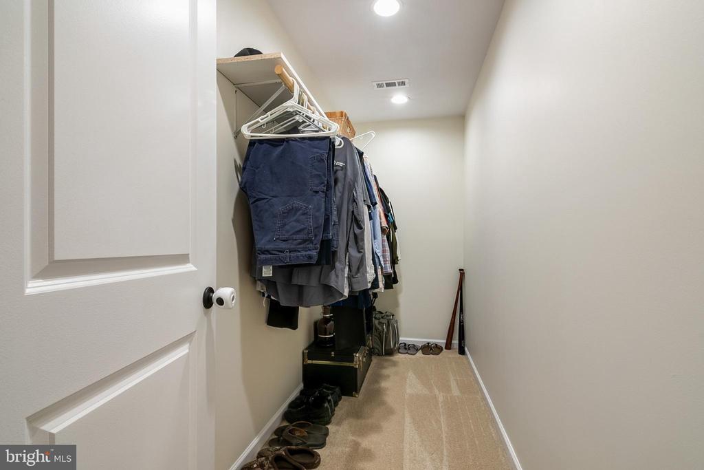 Primary Suite 1st Walk-in Closet - 5363 SATTERFIELD DR, WOODBRIDGE