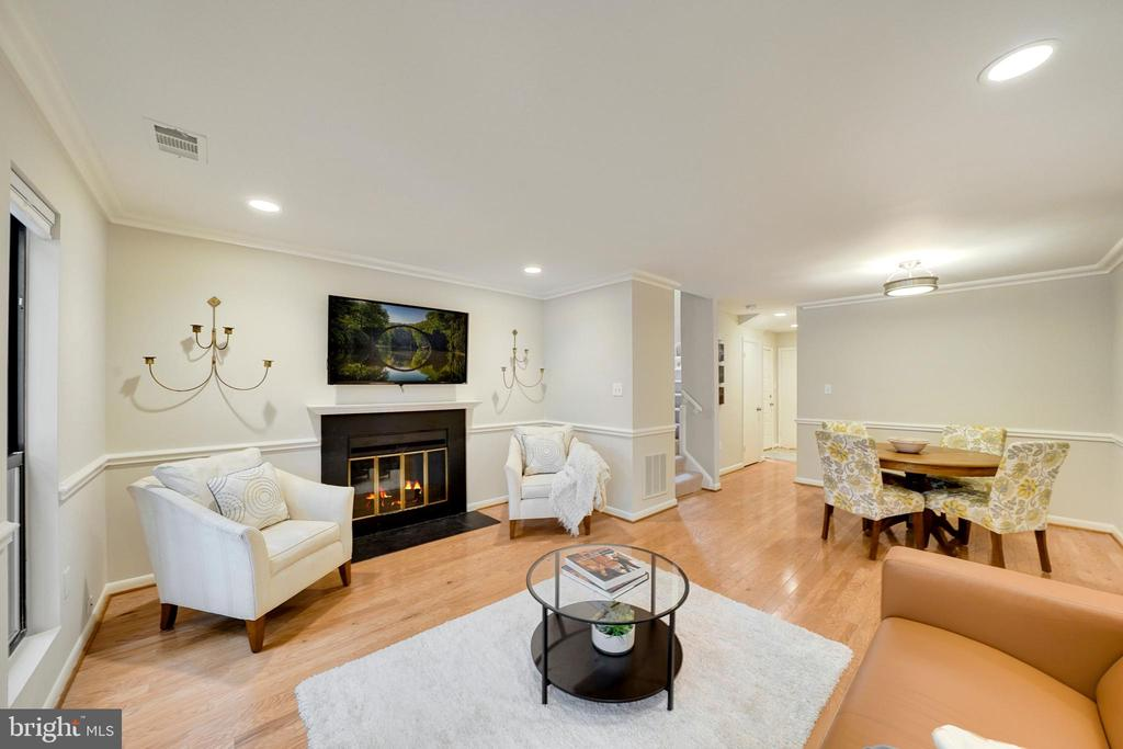 Wood burning fireplace in living room - 4427 7TH ST N, ARLINGTON