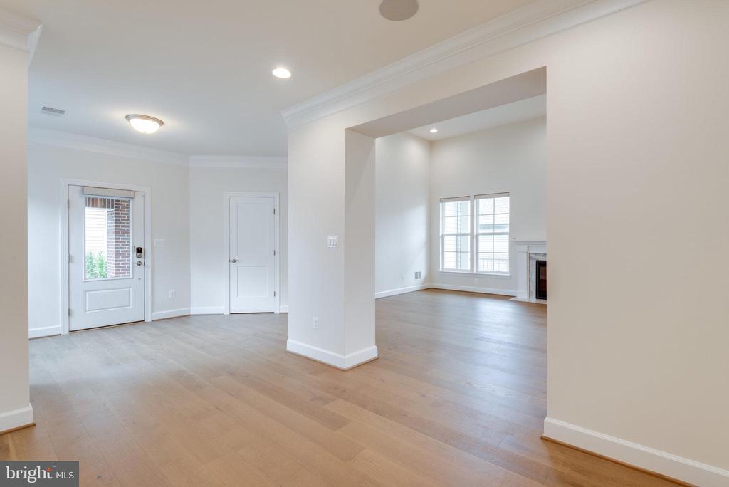Beautiful open floor plan - 42758 AUTUMN DAY TERRACE, ASHBURN
